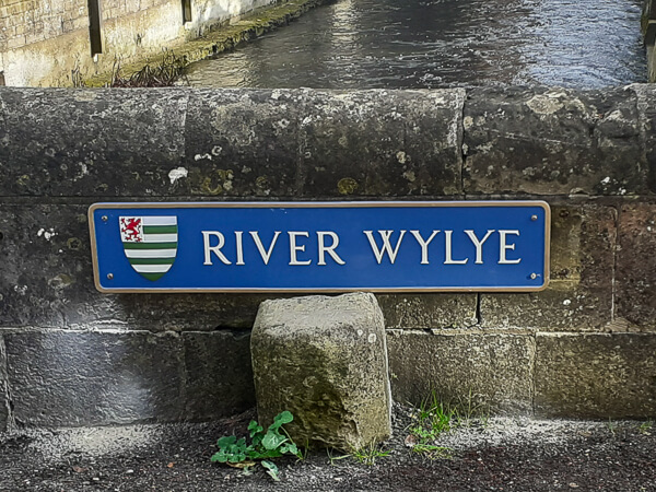 Restored River Wylye signs return to Wilton